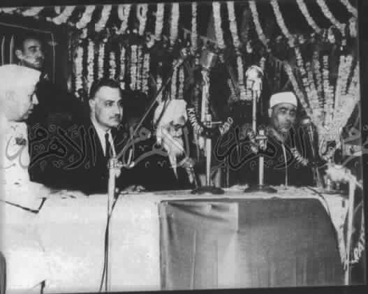 محمود خليل الحصرى مع جمال عبدالناصر و جواهر لال نهرو